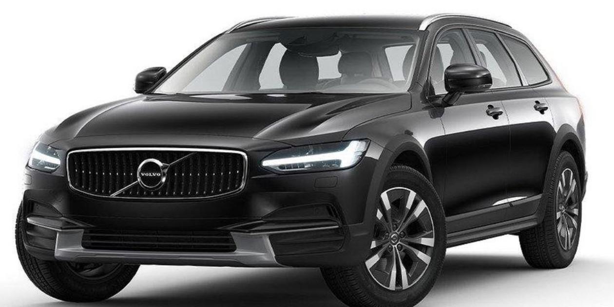Volvo    V90       Cross       Country    D4 AWD SE 2020   EuroCng